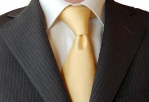 Biała koszula i żółty krawat Iannalfo & Sgariglia ze sklepu menswear.pl