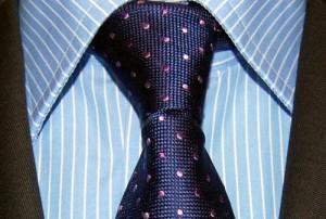 Koszula niebieska w paski Iannalfo & Sgariglia plus krawat w kropeczki