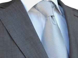 menswear.pl - szary jedwabny krawat i biała koszula
